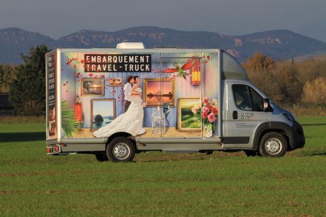 Après le food truck, le travel truck : la nouvelle agence de voyages itinérante